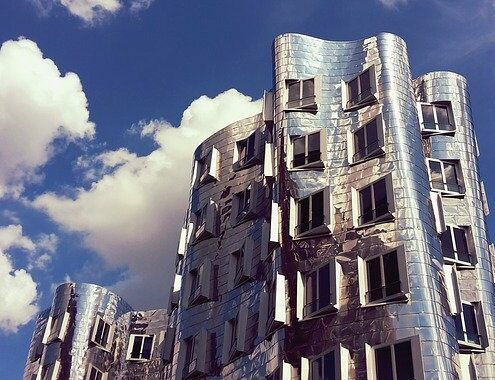 Neuer Zollhof a Dusseldorf, edifici di Frank Gehry