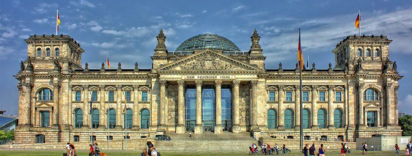 Facciata del Reichstag a Berlino
